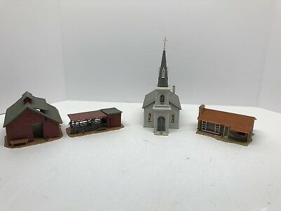 HO scale Lot Of Buildings  vintage model railroad. Church, House, Barn. Lot 20
