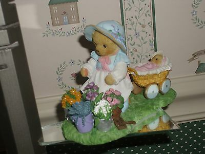 Cherished Teddies-Bette-2012-Member's Only  Figurine.-New In Box.