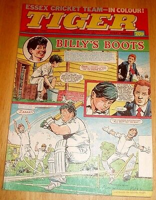 Tiger Comic 1983 With  Essex  C.c.c. Team Photo Poster Page