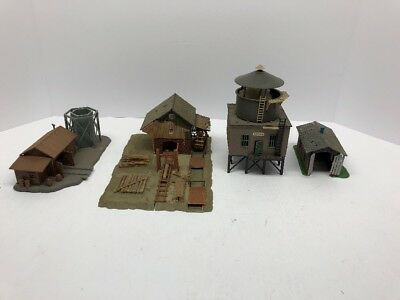 HO scale Lot Of Buildings  vintage model railroad. Saw Mill And Others . Lot 34