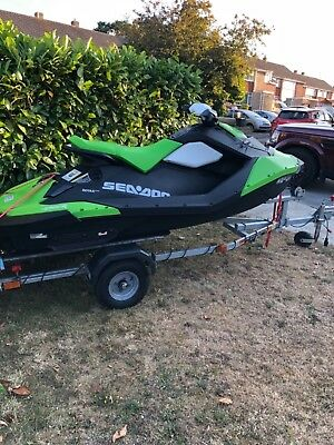 2016 Seadoo spark 60hp 2 up lime green 13 hours Jetski excellent condition