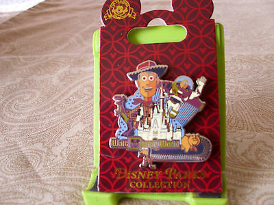 Disney * WDW CASTLE & TOY STORY CAST - WOODY BUZZ ETC * New on Card Trading Pin