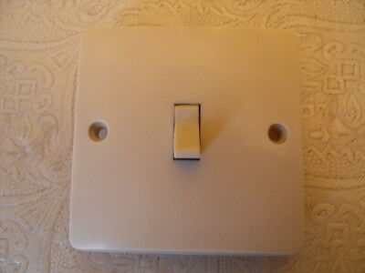 Vintage MK 4735 Single 1 Gang 2 Way Light Switch Ivory Colour - Toggle Switch