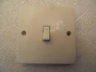 Vintage MK 5731 Single 1 Gang 1 Way Light Switch Ivory Colour - Toggle Switch