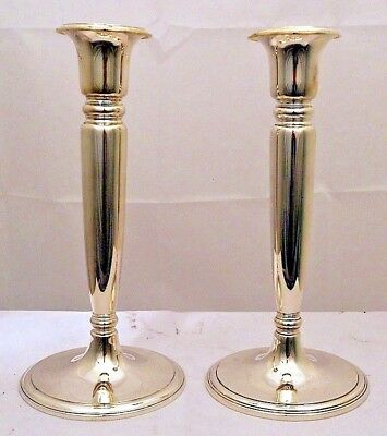 An elegant pair of sterling silver candlesticks, Tiffany & Co., NY c.1917-47.