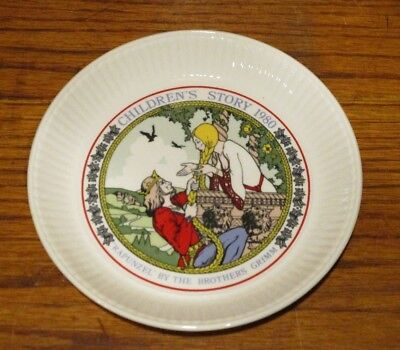 Rapunzel - Wedgwood Children's Story Collector Plate 1980 - Grimm