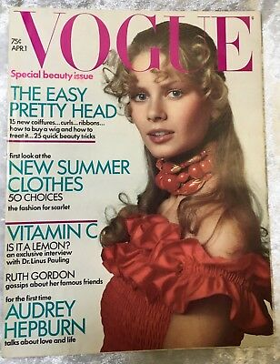 VTG VOGUE Magazine April 1 1971 Charly STEMBER Audrey HEPBURN Fashion Ads