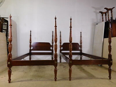 Vtg  Antique Pair Of Mahogany Twin Pineapple Rice Carved Poster Beds Bench Made