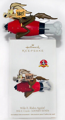2012 WILE E COYOTE RIDES AGAIN NEW Hallmark Looney Tunes Ornament ROCKET YIKES!