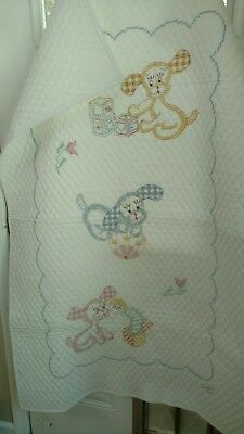 NEW HAND MADE CRIB QUILT HAND EMBROIDERED QUILTED CHILD'S  Puppy dog  ANIMALS