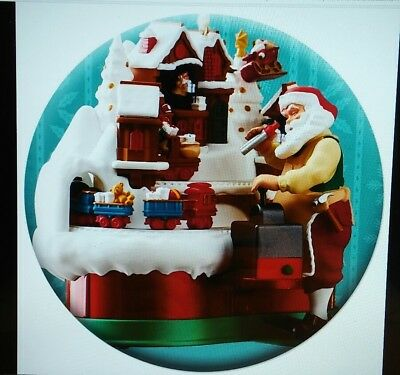 Hallmark 2018 Premier Santa's Magic Train Button Pin 1.5""