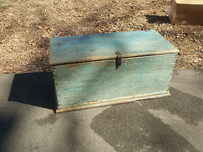 VIRGINIA PAINTED BLANKET/TOOL CHEST - GREAT PAINT - 19th CENTURY - YELLOW PINE