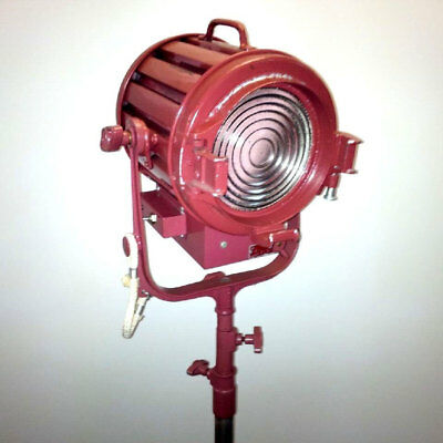 Mole Richardson 1K Baby Fresnel Light #3 with Barn Doors - Nice!