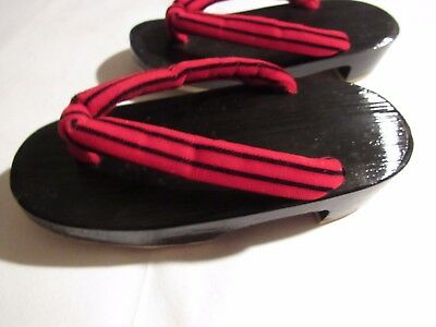 Youth Wooden Geta's Red and Black Soft NR 8346