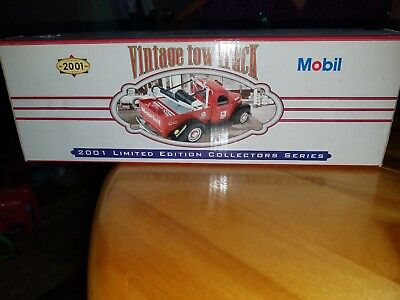 2001 Mobil Vintage Tow Truck Limited Edition Collectors Series  Diecast 1:18