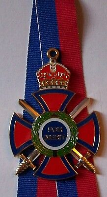 Britain Royal King Queen Knight Empire Kingdom Windsor Merit Order Medal Badge W