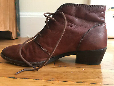 Frye Women's Ruby Chukka Ankle Boot Brown 7 M US Great Condition
