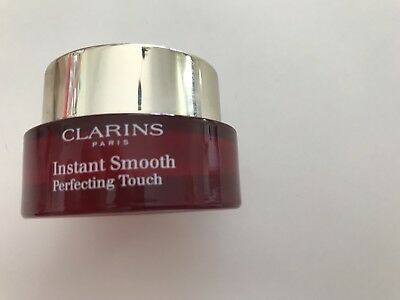 Clarins Instant Smooth Perfecting Touch Primer