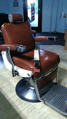 Gorgeous Antique Vintage Bellmont Hydraulic Barber Chair