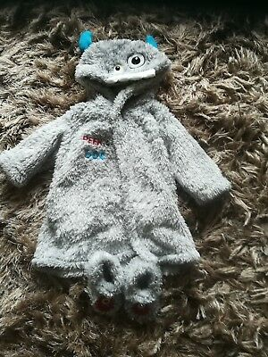 baby boy dressing gown 0-3 months in new condition