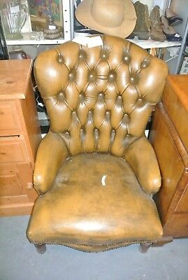 Vintage leather chesterfield button chair - tan / gold / brown needs tlc