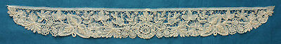 Small antique Brussels Duchesse lace collar - unused