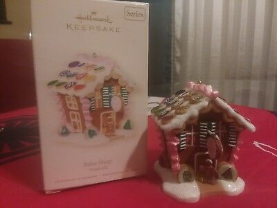 2007 Hallmark Keepsake Bake Shop Ornament