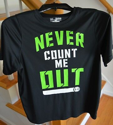 Boys Under Armour Black T-shirt Never Count Me Out YXL Loose Heat Gear