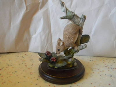 Wood Mouse With Berries Figurine * Hand Painted *