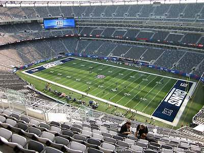 2b0f5003d 4 Tickets New York Giants vs. Chicago Bears 12/02 PARKING PASS INCLUDED !