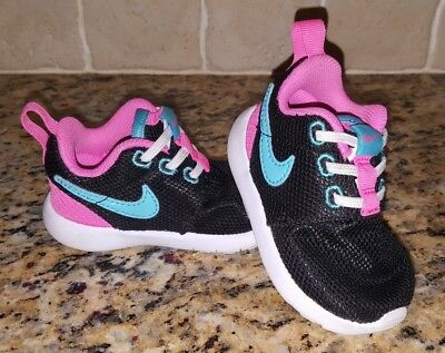 c1fab87e2 Toddler Girl Nike Roshe Shoes Size 4c 4 c infant baby athletic sneakers  no-tie