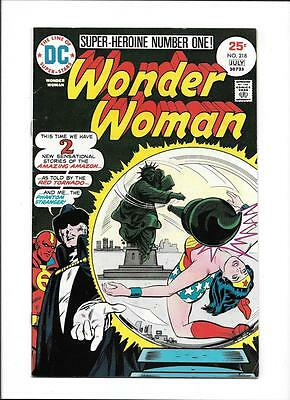Wonder Woman #218  [1975 Vg-]  Statue Of Liberty Cover!