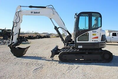 2011 Bobcat E80 Excavator - Includes 3 buckets! Hyd. Thumb, coupler, A/C, NICE