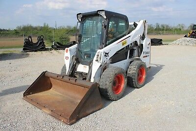 2015 Bobcat S590 Skid Steer - Enclosed w/ Heat & Air!, LOW HOURS