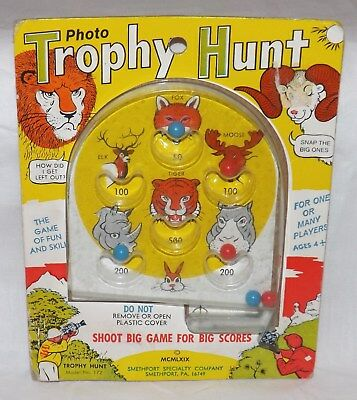 Vintage 1969 Around the World  Photo Trophy Hunt Model No. 172 Game Pinball