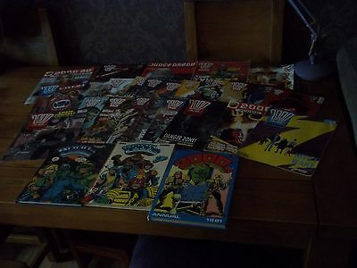Vintage 2000 Ad Annuals And Comics Collection