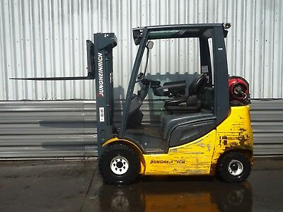 JUNGHEINRICH TFG316s  USED GAS FORKLIFT TRUCK. (#2076)