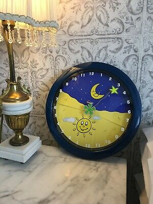 """""""The Hushabye clock"""" Help Your Toddler Stay In Bed, and you get more sleep."""