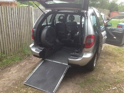 2009 Chrysler Voyager Executive Crd With Wheelchair/disabled Access Wav