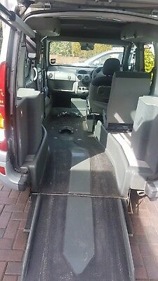 07 Renault Kangoo Upfront Wheelchair Passenger Vehicle