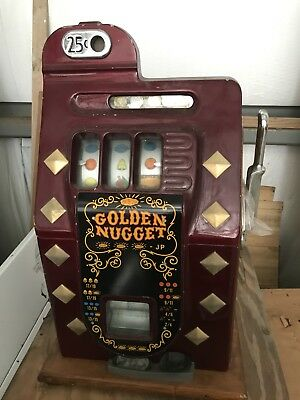 Antique 25 cent Golden nugget Slot Machine with Key