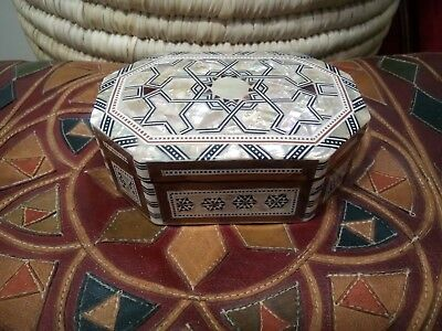 Egyptian handmade Mother of pearl mosaic Inlay Wooden Box Octagonal