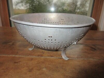 "Vtg Aluminum Strainer Colander 8 1/2"" Footed Bowl"
