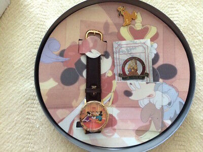 MINT VNTG 1994 DISNEY COLLECTORS CLUB PRINCE & PAUPER WATCH & PIN in FILM CAN