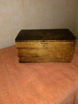 Antique 18th Century Early 19th Century Lidded Box Snipe Hinges Country Ameri