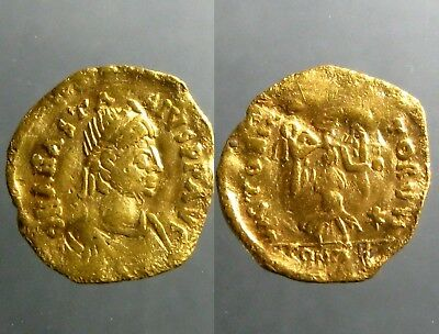 ANASTASIUS GOLD TREMISSIS______Constantinople Mint______ADVANCING VICTORY