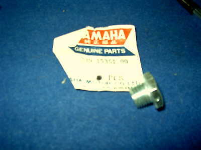 Yamaha Tr2 Gen Nos Engine Oil Drain Bolt 239-15351-00