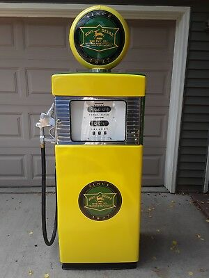 Original Vintage Wayne Gas Pump