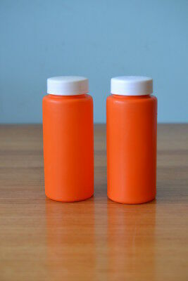 Vintage orange Decor plastic salt and pepper shakers  Australia picnic  CGT1