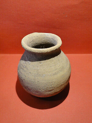 Beautiful Pottery Pot / Vase in perfect condition (ca. 2nd Century A.D.)
